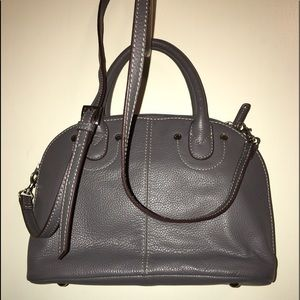 Lots of compartment purse /crossbody